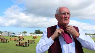 Andy Phillips o Ddawnswyr Delyn (Yr Wyddgrug).