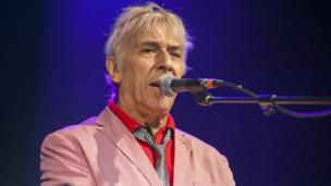 One of Wales most influential musicians performs live.