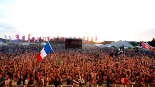 Jersey Live crowd