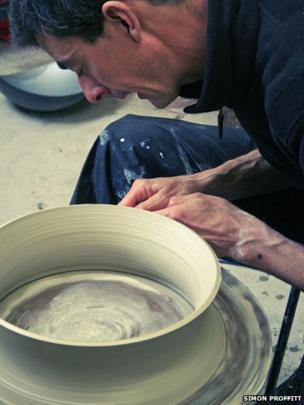 Sculptor and ceramicist Matt Sherratt at work