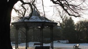 Newark Castle bandstand