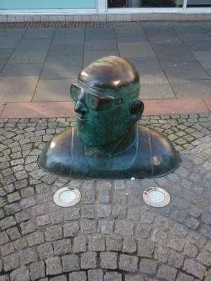 Statue on the pavement