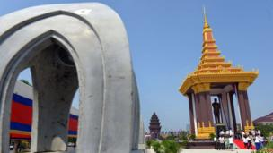 Cambodia unveiled a big royal statue of its former King Norodom Sihanouk it is for the young generations to remember and pay respect to the 'King-Father'.