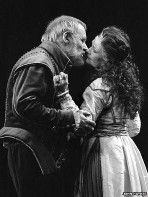 Anthony Hopkins and Judi Dench in Antony and Cleopatra