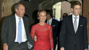 Michael and Julia Samuel with Hugh Grosvenor