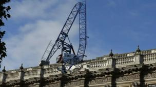 Crane collapsed on Cabinet Office in Whitehall