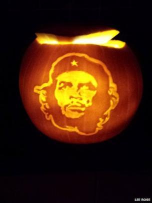 Pumpkin carved as Che Guevara.