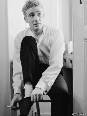 Peter O'Toole in his dressing room at the Old Vic in 1963 before Laurence Olivier's staging of Hamlet
