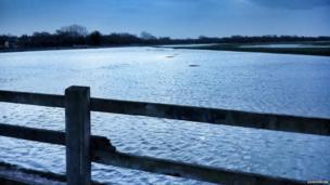 Flooded fields in Wolvercote, Oxford taken by Twitter user @DriverVIBE