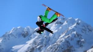 Ireland's Seamus O'Connor during the Snowboard Men's Slopestyle Qualifying Heat 2 in Sochi (6 February 2014)