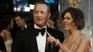Tom Hanks and Rita Wilson arrive on the red carpet