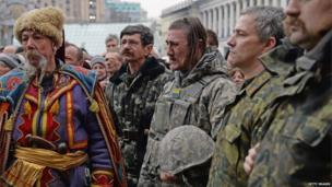 Mourners in Kiev, Ukraine (22 Feb 2014)