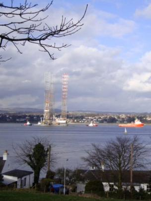 Rig in the River Tay