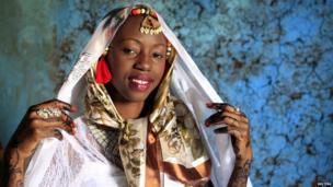 Kenyan bride Hawa Abdulkadir in Nairobi's Kibera slum on 22 March 2014