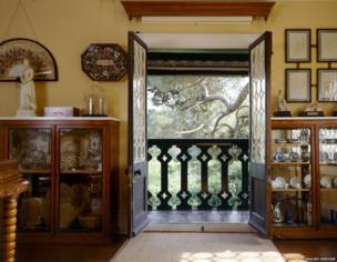 Swiss Cottage sitting room