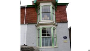 The exterior of 5 Cwmdonkin Drive, where Dylan Thomas was born