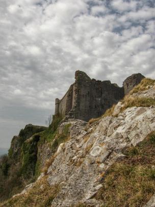 Carreg Cennen Castle, Llandeilo,