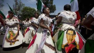 Women dressed as a revolutionary Zacapoaztla Indian soldiers