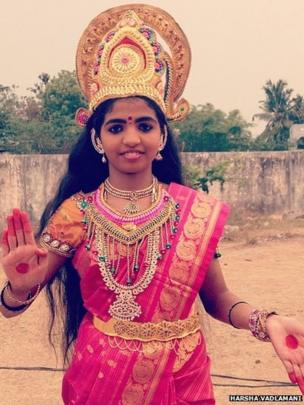 Naga Durga, a student of class 8 and classical dancer, makes an appearance as Telangana Talli (Mother) at the Telangana Rastra Samithi public meeting in Nalgonda.