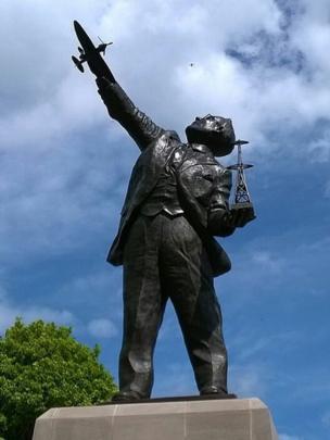 Statue to Robert Watson Watt