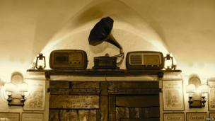 Phonograph in Bologna