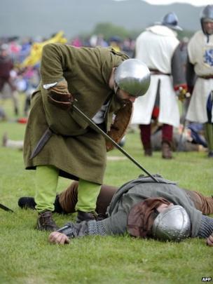Actors re-enacting the Battle of Bannockburn