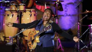 US musician and jazz guitarist George Benson performs in Tunis on 16 July 2014