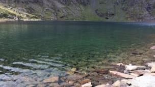 Glaslyn, yn edrych yn...las! // Glaslyn (literally Blue Lake in Welsh) lives up to its name