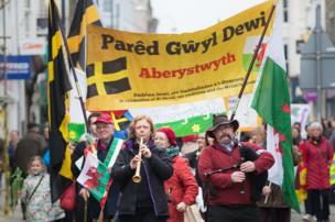 Gorymdaith Gwŷl Dewi yn Aberystwyth