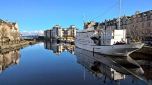 Kim Kjaerside's beautiful picture is at the the Shore in Leith, Edinburgh.
