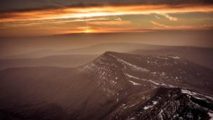 The view of the Cribyn from Pen y Fan at sunrise taken by Dave Short from Cwmbran