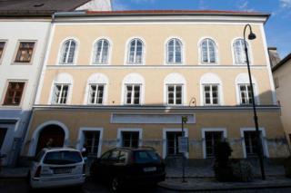 Inzu y'ivukiro rya Adolf Hitler mu mujyi wa Braunau am Inn, muri Otrishe