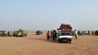 Migrants travelling in the deserts of Niger - archive photo
