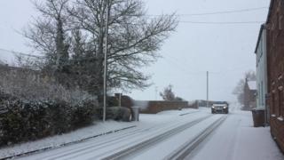 Snow in Holmpton