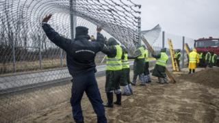 MAcaristan Sırbistan sınırı