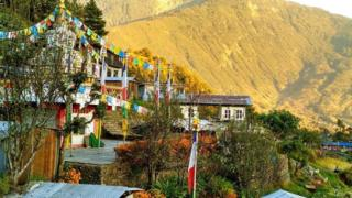 """قرية """"مانيكاركا"""" في نيبال"""
