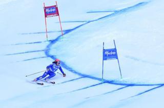เฟเดริกา บริกโนเน จากอิตาลี เข้าร่วมการแข่งขันสกีหญิงไจแอนต์สลาลมในรายการ FIS Alpine World Cup ซึ่งจัดขึ้นในเมือง (Kronplatz) เทือกเขาแอลป์ในอิตาลี โดยวิกตอเรีย เรเบนส์บวร์ก จากเยอรมนีชนะการแข่งขันนี้ ส่วนผู้ชนะอันดับที่ 2 ได้แก่ รังนิลด์ โมวินเคิล จากนอร์เวย์ ส่วนบริกโนเน ได้อันดับที่ 3