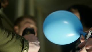 Nitrous oxide balloon