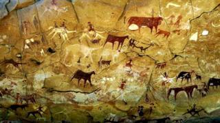 Петроглифы на плато Эннеди