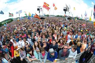 Fans at the Pyramid Stage in 2017