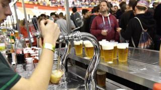 """La Belgique a souligné qu'avec près de 1.500 types différents, la bière faisait """"partie du patrimoine vivant de plusieurs communautés réparties dans l'ensemble de la Belgique""""."""