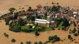 Tewkesbury flooding