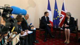 French President Emmanuel Macron meets the UK Prime Minister Theresa May on 26 May 2017