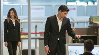 Điểm kiểm tra sân bay là sự cân bằng giữa an ninh và tốc độ.