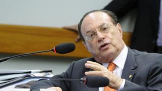 Paulo Maluf em reunião da CCJ em 11 de novembro de 2015