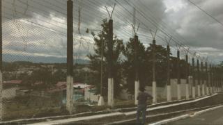 Centro Preventivo de Mujeres Santa Teresa, Guatemala. (Foto: Leire Ventas / Arte: Kako Abraham)