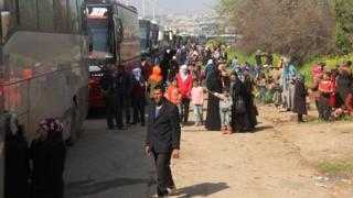 Автобуси з біженцями