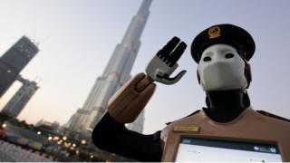 Робот-полицейский, Дубай, май 2017 года.