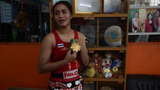 Ratchadaphon Winhantamma with her gold medal