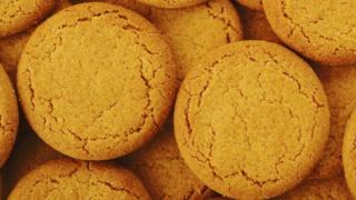 Ginger nut biscuits